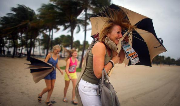 Hurricane Sandy's Winds Hit Florida Coast